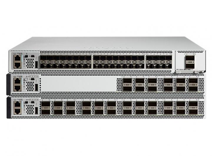 Cisco Switch 9500-12Q-A Catalyst 9500 12-port 40G switch, Advantage