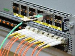 Đọc đèn led kết nối của switch cisco catalyst 2960X, 2960L